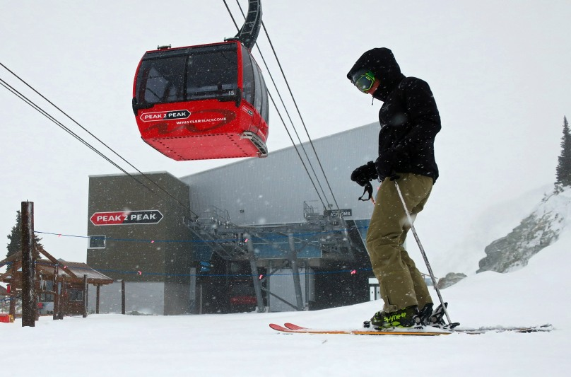 Stormy weather shuts down the Peak to Peak Tram